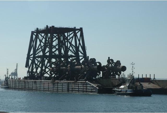 Hereema H627 Barge Arrival