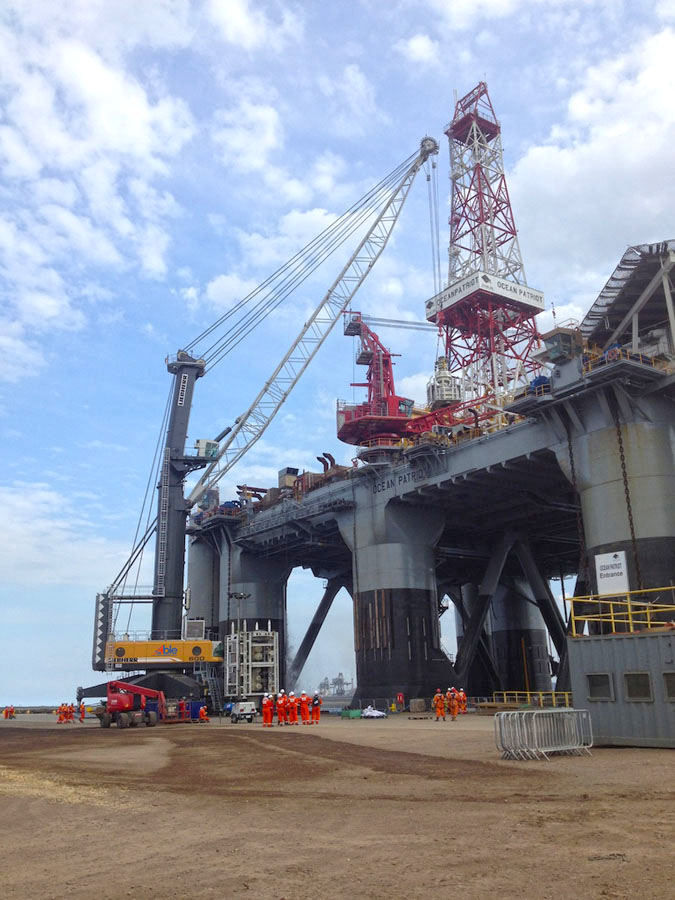 Harbour crane pic